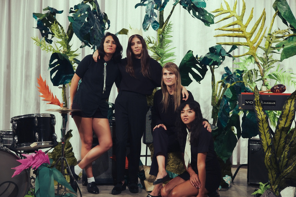 Floating Features, La Luz On Their Latest Album